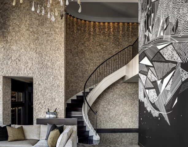 Champagne-Suite_Livingroomstaircase-613x500